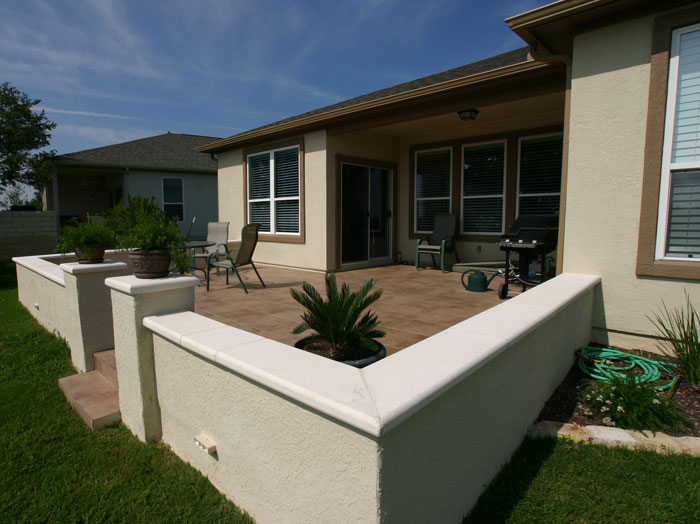 Bowman landscaping seatwalls for Exterior stucco design decorating ideas